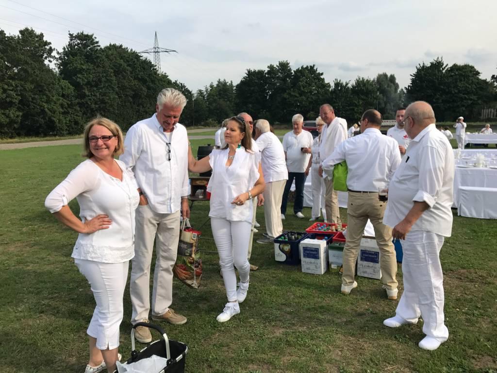 2017-07-15-Picknick-In-Weiss-001