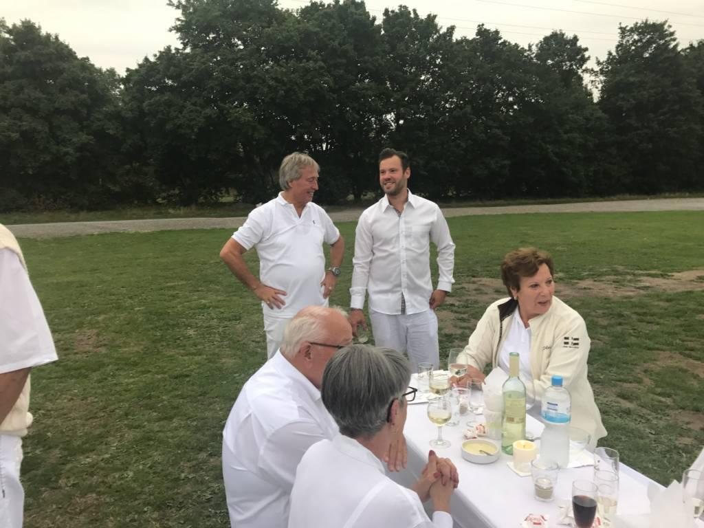 2017-07-15-Picknick-In-Weiss-013
