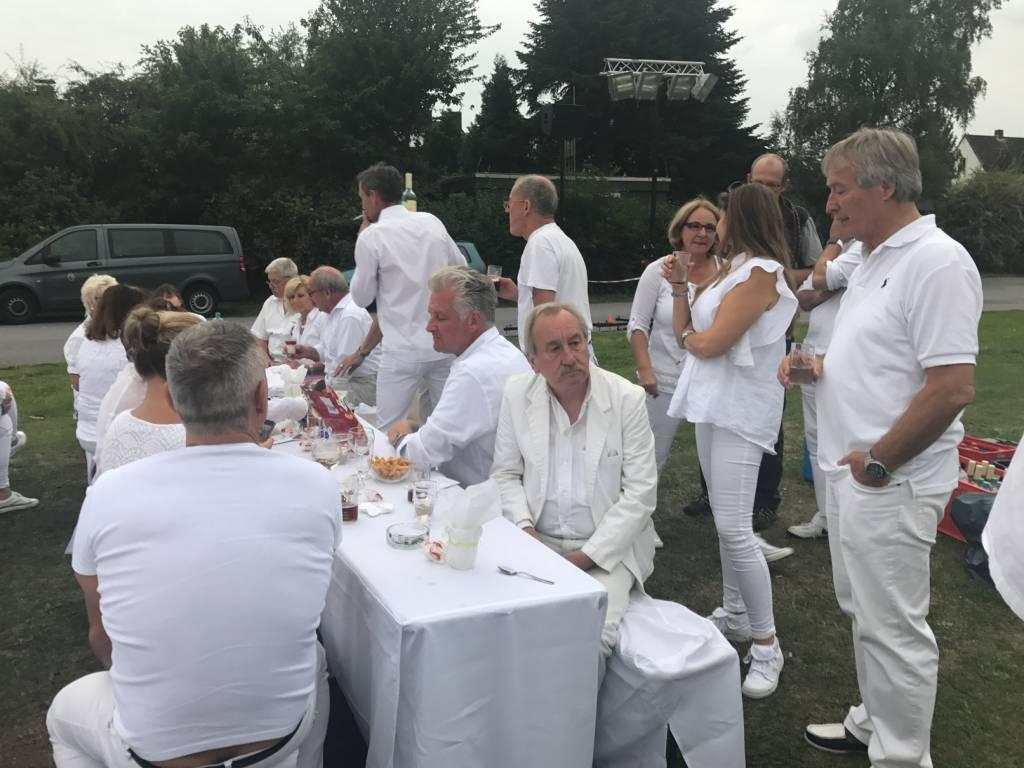 2017-07-15-Picknick-In-Weiss-014