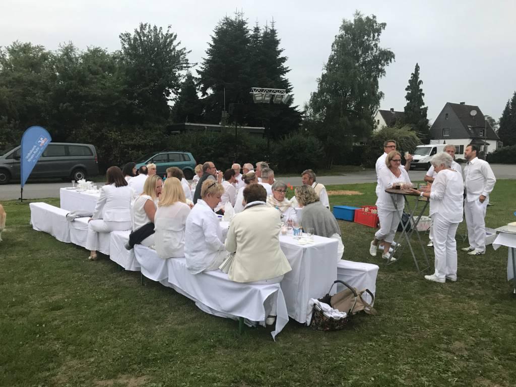 2017-07-15-Picknick-In-Weiss-015